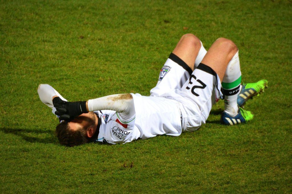 けがをした選手の画像